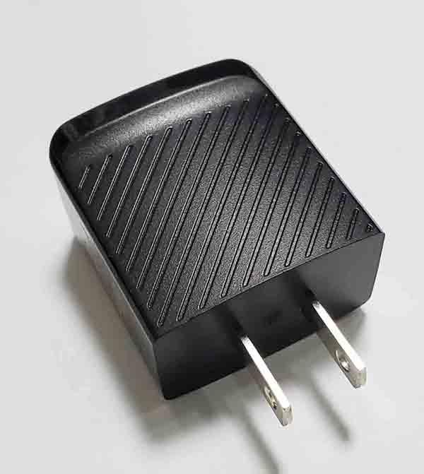美規充電器,輸出5V 2.4A